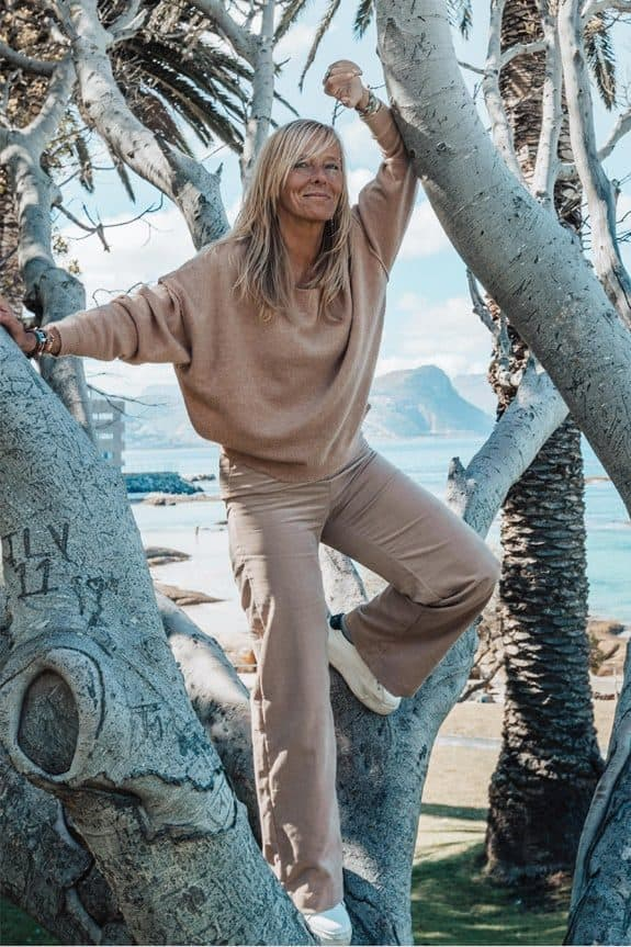 SeaMeHappy-gypsy-pants-sand-girl-in-tree