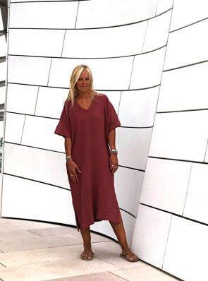 SeaMeHappy-Bali-dress-rusty-shiraz-fondation-Louis-Vuiton-Paris