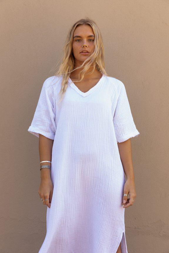 Detail Sea Me Happy Fiji dress white, 100% cotton, with raffles, made in Belgium