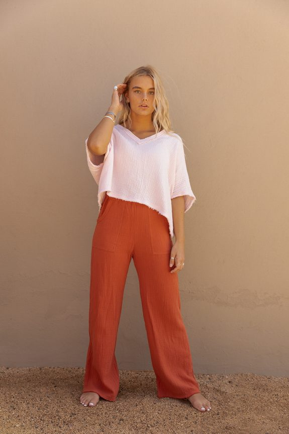 Sea Me Happy Fiji pants rust and Fiji top baby pink, loose fit, 100% cotton, no ironing.