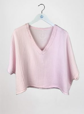 Sea Me Happy Fiji Top with raffles in baby pink. 100% cotton. Made in Belgium.