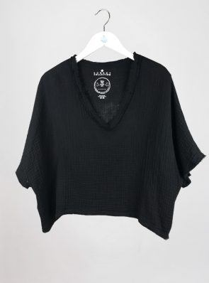 Sea Me Happy Fiji Top black, loose fit, 100% cotton, no ironing