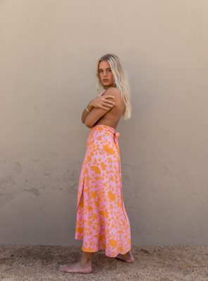 Sea Me Happy Noosa wrap skirt orange-pink, close-up