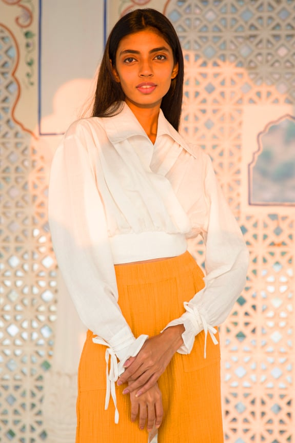 Nono Blouse white, 100% lightweight linen, wrap top