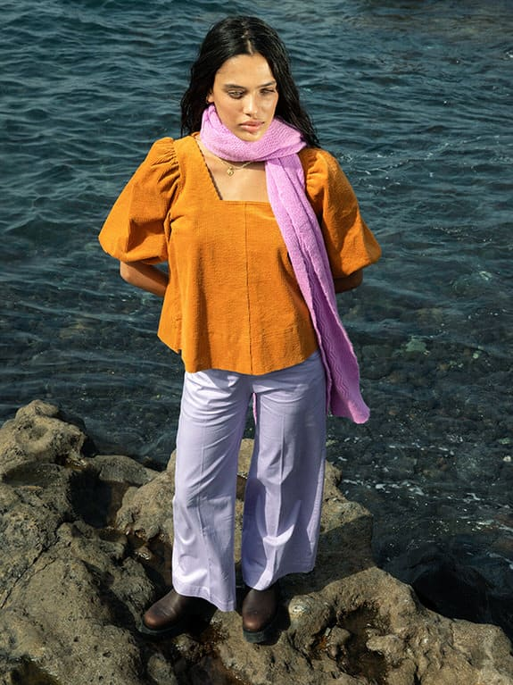 Sea-Me-Happy-Twiggy-Top-70s-tumeric-Woody-Pants-Paperstretch-lila-Wavy-berry-3
